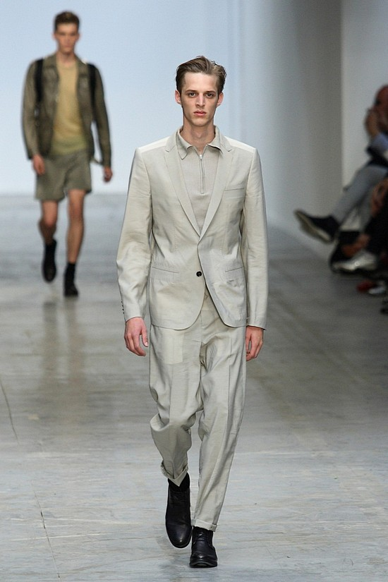 CoSTUME NATIONAL UOMO SS11