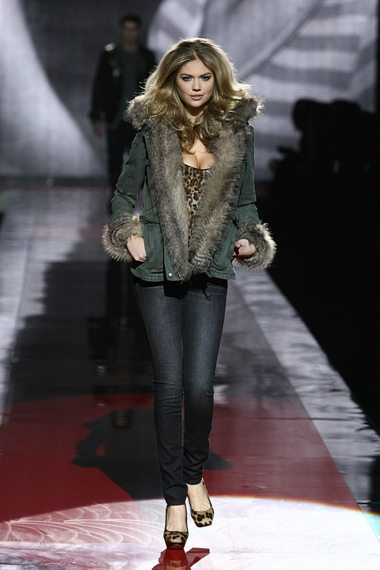 Guess AW2011