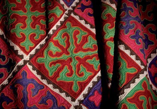 Kunstwerke aus Kirgisistan auf heimischen Böden
