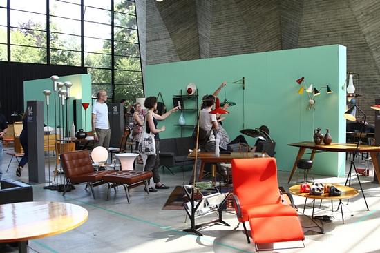 Basel lockte parallel zur Art mit Vintage–Möbeln