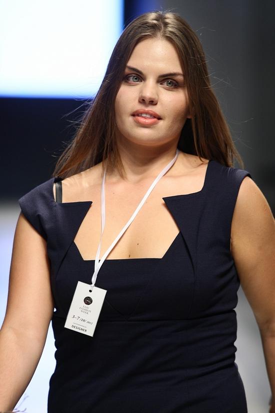 Oksana Piekna SS13