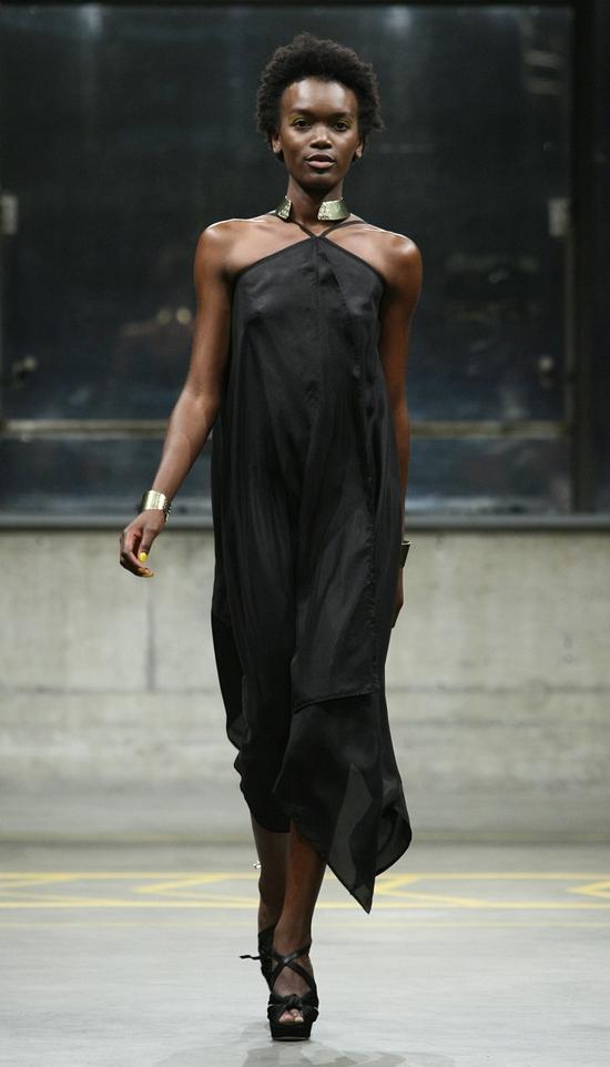Little Black Dress feat. Baies d'Erelle