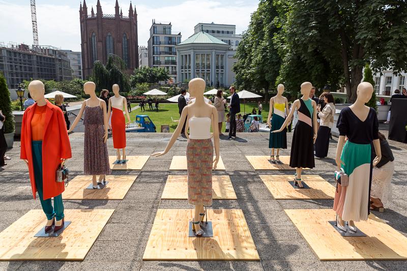 Der Berliner Salon: Gruppenausstellung und Zeitmagazin-Konferenz
